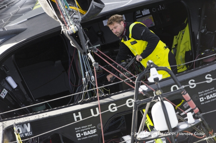 alex thomson gbr skipper hugo boss at start of the vendee globe in les sables d olonne france on november 6th 2016 photo jean marie liot